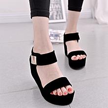 sandales compensées plates et décontractées