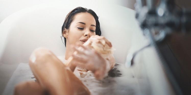 """Résultat de recherche d'images pour """"un enfant qui se lave avec du savon"""""""