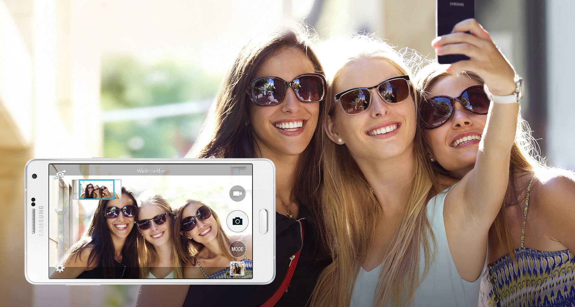selfies de groupe avec d'autres amis
