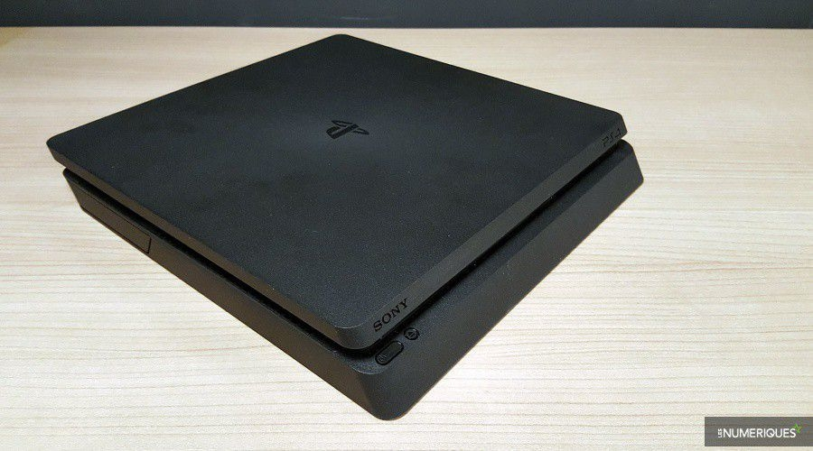 PlayStation-4-Slim_Test_02.jpg